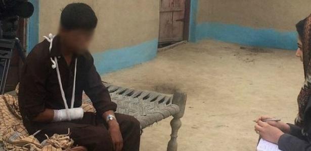 Em entrevista à repórter da BBC Iram Abbasi, garoto que amputou sua própria mão não se diz arrependido