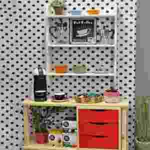 As empresárias Carolina e Aline Schmitz, de Santa Catarina, criaram uma loja virtual de decoração, em 2014, para vender móveis feitos com caixotes e madeira de reflorestamento para pequenos espaços. É a Tadah - Divulgação