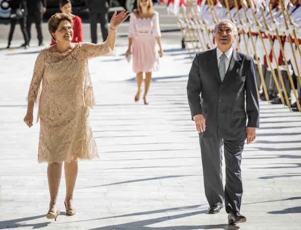 A presidente da República reeleita Dilma Rousseff ao lado do vice-presidente Michel Temer (PMDB), durante cerimônia de posse, no Palácio do Planalto, em Brasília em janeiro de 2015