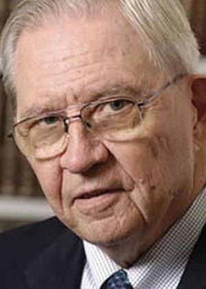 O médico Donald Henderson, que erradicou a varíola