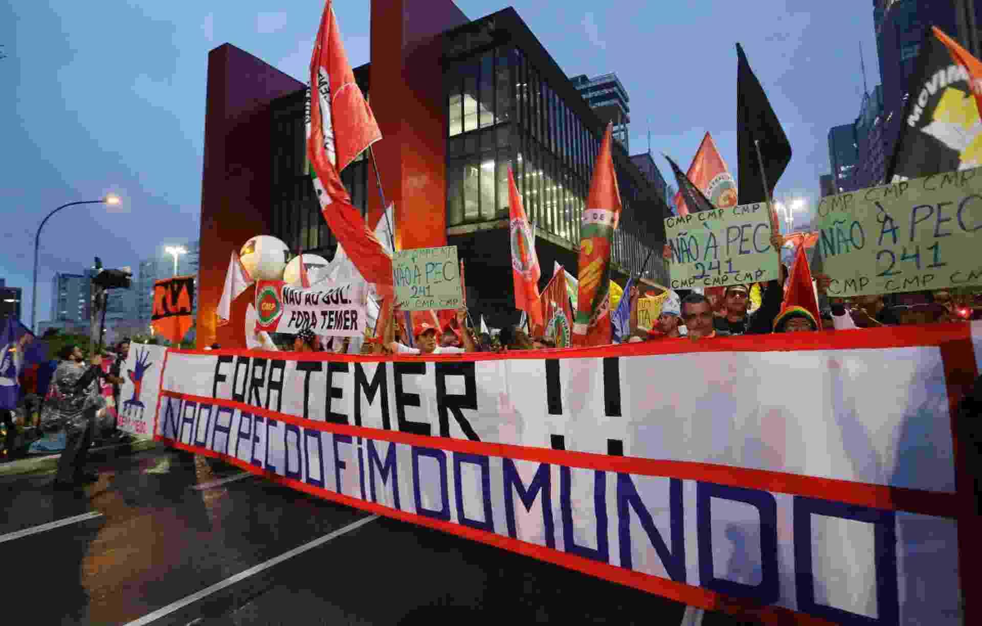 Manifestantes realizam ato contra Proposta de Emenda Constitucional 241 nesta terca - Nelson Antoine/Estadão Conteúdo