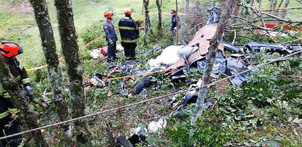 Queda de helicóptero em São Lourenço da Serra, na Grande São Paulo, matou quatro pessoas que iam para um casamento