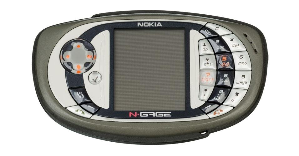 Smartphone N-Gage 2 da Nokia (2003). Esse é um dos objetos extintos que integram a enciclopédia virtual criada pela startup russa Thngs para eternizar tecnologias do passado