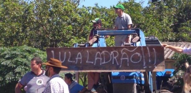Antes de São Borja, Lula já havia sido recebido com protesto em São Vicente do Sul (RS)