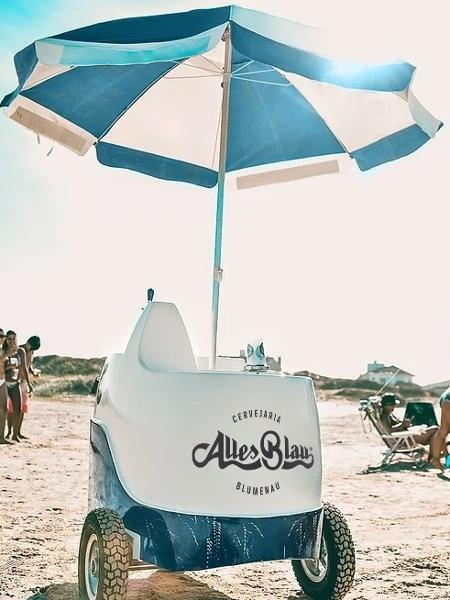 Beach Beer, da Alles Blau, é um carrinho de praia para o franqueado vender chope em locais públicos - Divulgação