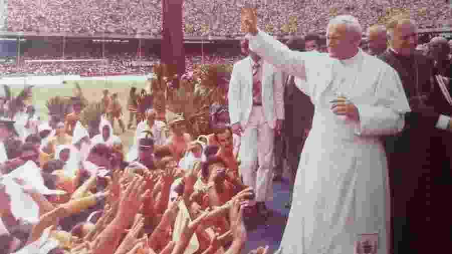 Motivo oficial da viagem foi a 10ª edição do Congresso Eucarístico Nacional, no estádio do Castelão, em Fortaleza (CE) - Arquivo Pessoal do Padre Gilson