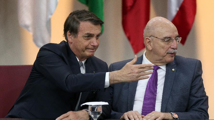 19.jul.19 - O presidente Jair Bolsonaro ao lado do ex-ministro Osmar Terra - Pedro Ladeira/Folhapress