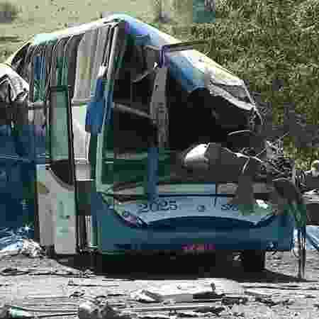 25.nov.2020 - Grave acidente entre um ônibus e um caminhão provocou dezenas de mortes no interior de SP - Reprodução/TV Globo