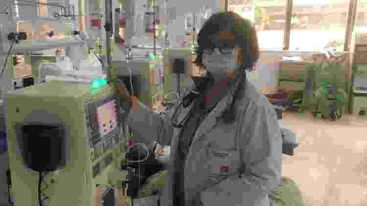 Suzana Melo, gestora da Clínica do Rim de Vitória de Santo Antão (PE): 'Temos levado muitos prejuízos, mas sabemos que se não dialisarmos o paciente pode morrer' - Arquivo pessoal/BBC News Brasil - Arquivo pessoal/BBC News Brasil
