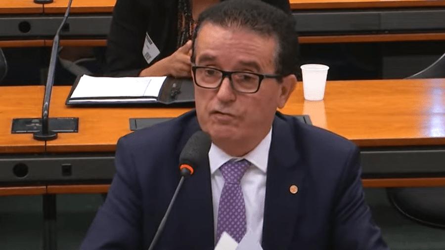 O deputado Hélio Costa durante sessão da comissão de Trabalho, Administração e Serviços Públicos da Câmara - Reprodução/TV Câmara