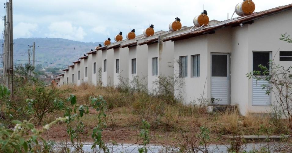 As casas têm 40 m² e foram as primeiras residências financiadas pelo Banco do Brasil por meio do programa Minha Casa, Minha Vida no Estado