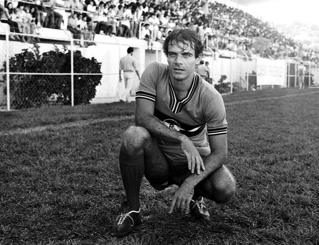 O ator Mário Gomes em cena da novela Vereda Tropical (1984)