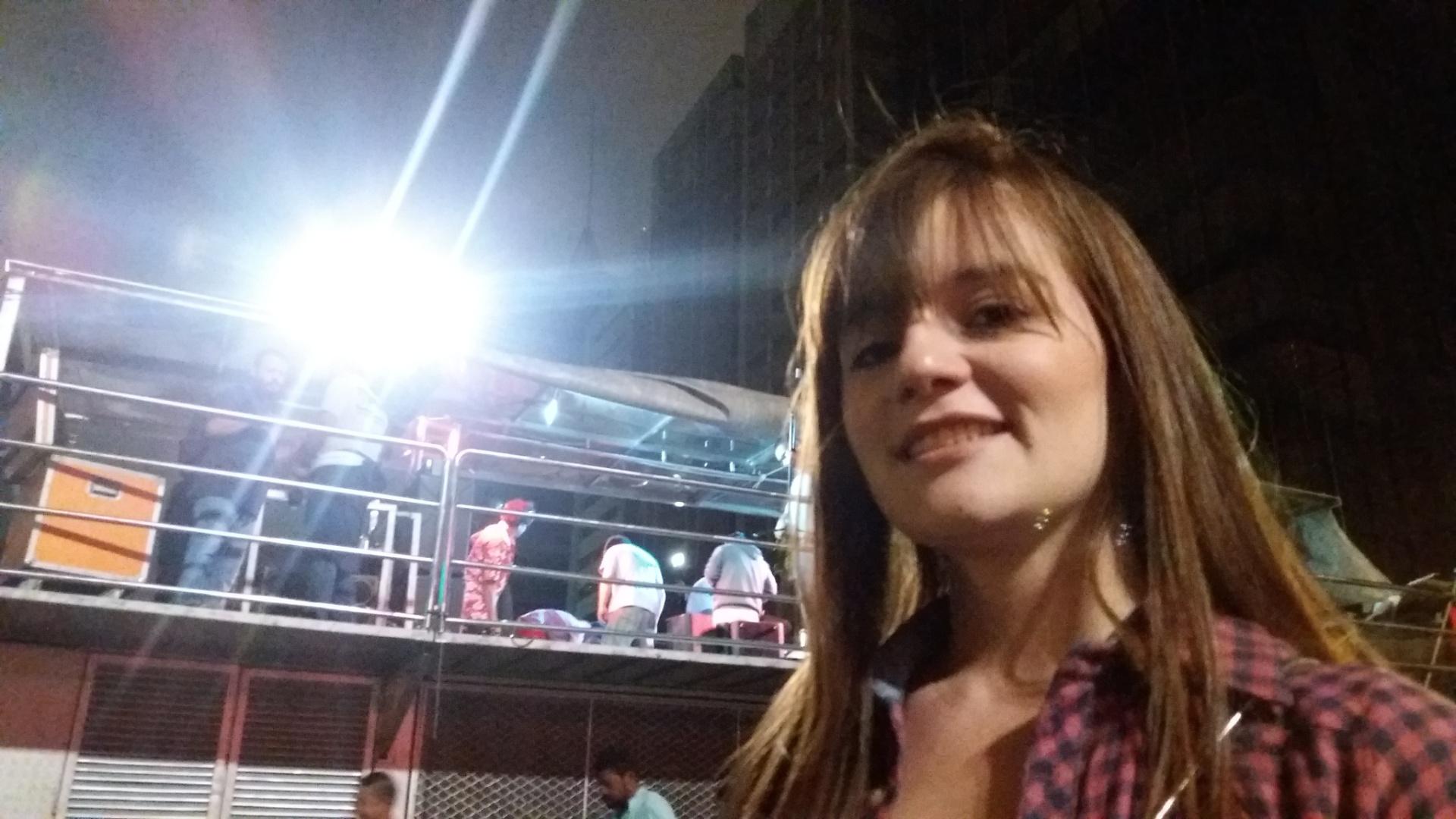 18.set.2016 - Ana Carolina Castro, estudante de moda, participa do protesto por novas eleições e