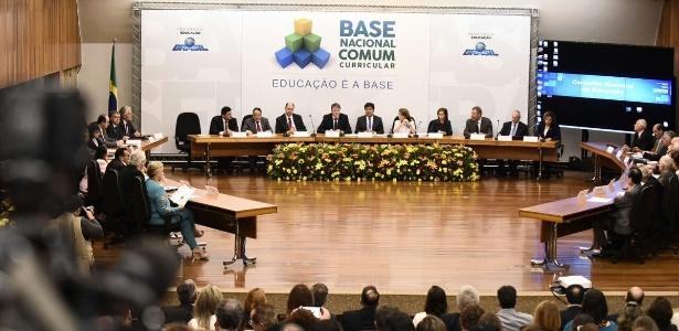 Ministro da Educação, Mendonça Filho, divulga nova Base Nacional Comum Curricular na sede do CNE (Conselho Nacional de Educação), em Brasília