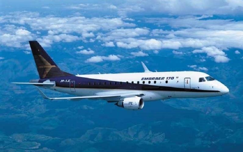 Avião modelo E170, da Embraer