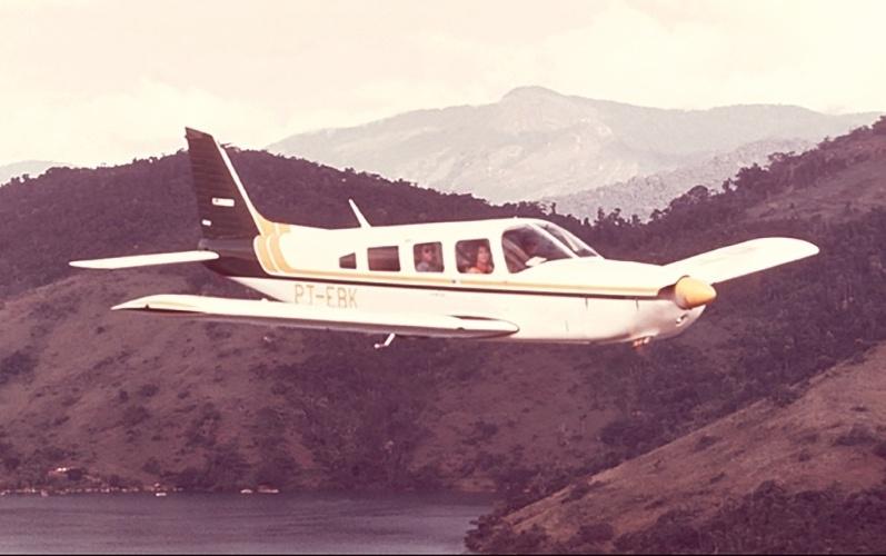 Avião modelo EMB-721 Sertanejo, da Embraer
