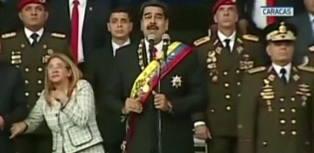 4.ago.2018 - Maduro e sua esposa Cilia Flores participavam de um evento militar - Reuters