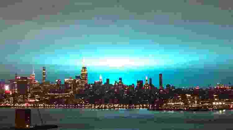 Explosão de tranformador causa clarão em Nova York - Reprodução/Twitter - Reprodução/Twitter