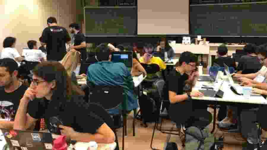 Estudantes de vários cursos participam das maratonas de programação organizadas na USP - Divulgação/Auspin