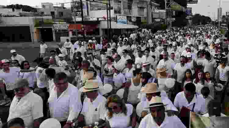 Marcha pela paz em Guadalajara realizada em protesto pelo assassinato de estudantes cometido pelo CJGN - Alejandro Acosta/Reuters