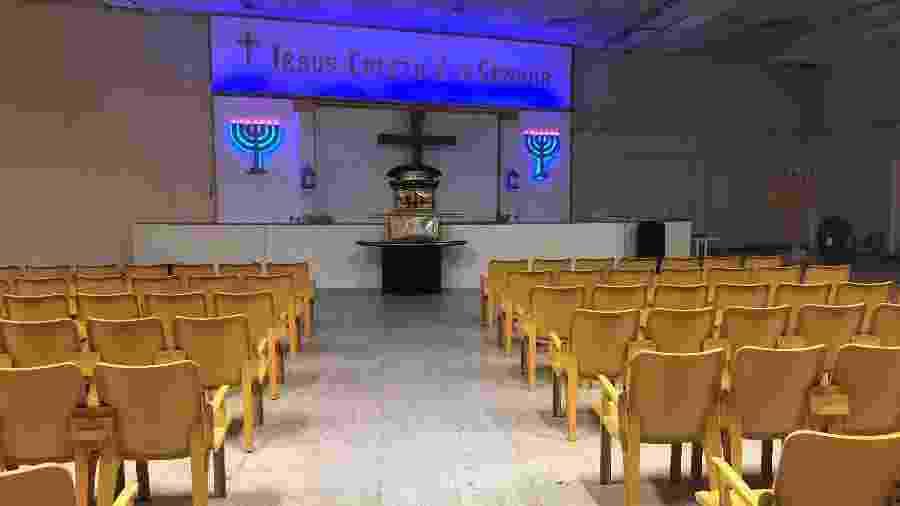 26.mar.2020 - Coronavírus muda rotina de fiéis. Igreja evangélica vazia na zona norte do Rio - Herculano Barreto Filho/UOL