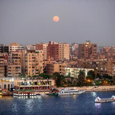Caito, capital do Egito, que será a sede da conferência climática das Nações Unidas em 2022, a COP27 - Khaled DESOUKI / AFP
