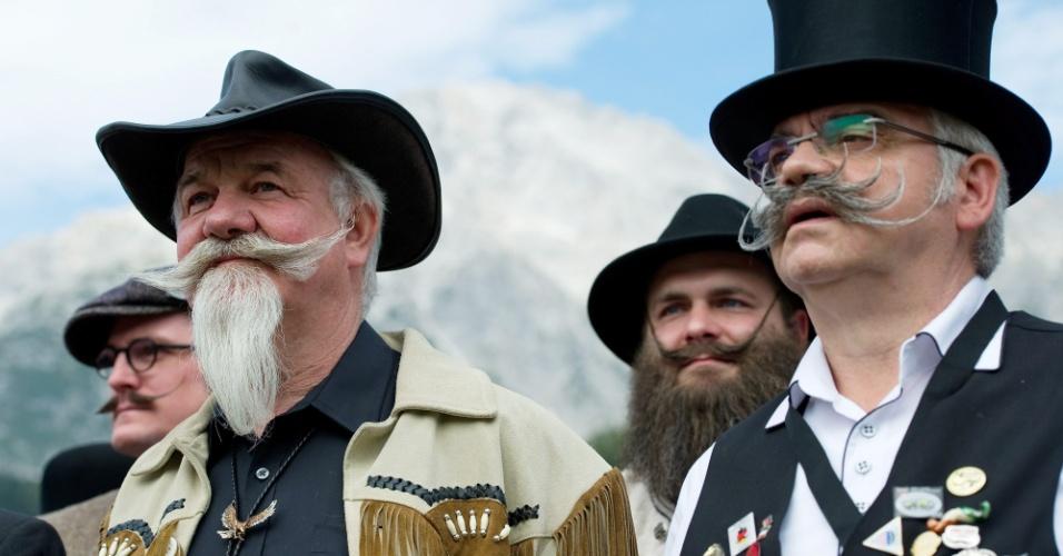 5.out.2015 - Os participantes estão divididos em 18 categorias e três grupos temáticos: bigode, barba parcial e barba cheia. O evento ocorre periodicamente em vários lugares do mundo