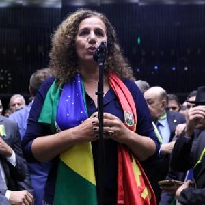 Jandira Feghali (PCdoB-RJ) faz oposição a Temer na Câmara