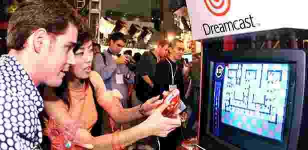 O Dreamcast da Sega teve um bom início de vendas, mas acabou naufragando - Yoshikazu Tsuno/AFP - Yoshikazu Tsuno/AFP