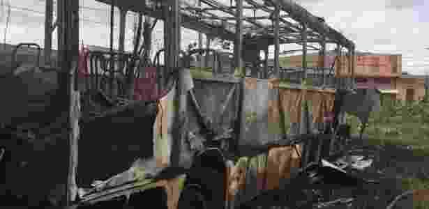 ônibus queimado BH - Divulgação/Corpo de Bombeiros de Minas Gerais - Divulgação/Corpo de Bombeiros de Minas Gerais