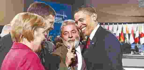 28.set.20109 - A chanceler alemã, Angela Merkel, o presidente Luiz Inácio Lula da Silva (centro) e o presidente norte-americano, Barack Obama (à dir.), conversam durante a cúpula do G20, em Pittsburgh (EUA) - Ricardo Stuckert/PR - Ricardo Stuckert/PR