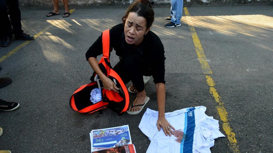 Mãe do estudante Marcos Vinicius da Silva, 14, morto durante operação policial no Complexo da Maré - PAULO CARNEIRO/AGÊNCIA O DIA/AGÊNCIA O DIA/ESTADÃO CONTEÚDO