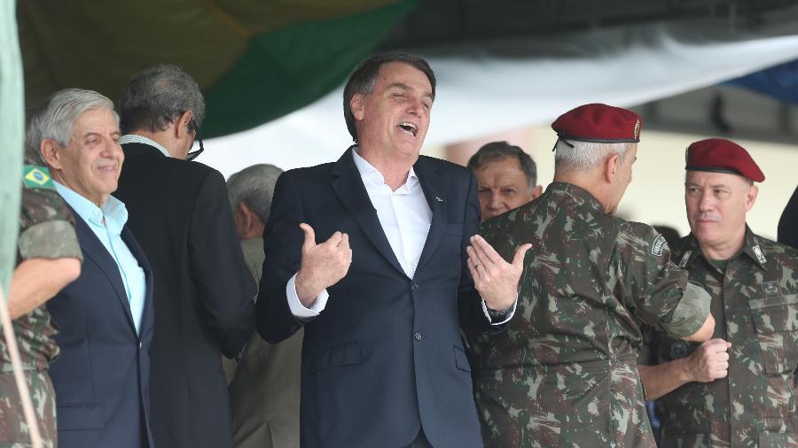 Bolsonaro participou de cerimônia do aniversário de 73 anos da brigada da Infantaria de Paraquedista, no Rio - Fábio Motta/Estadão Conteúdo
