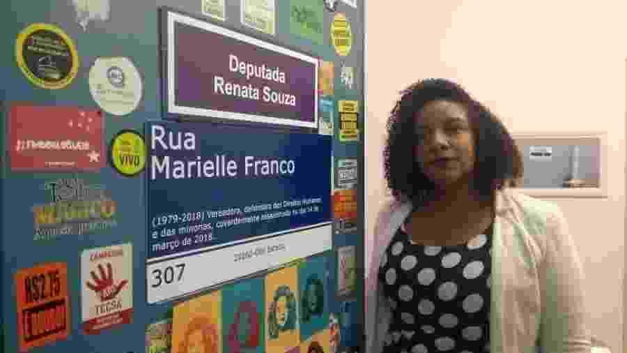 Renata Souza (PSOL), em seu gabinete na Alerj. Sucessora de Marcelo Freixo e herdeira de Marielle Franco, ela diz que seguirá na luta por direitos básicos - Gabriel Sabóia/UOL
