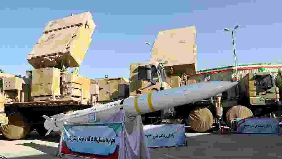 Sistema de mísseis Bavar 373 fabricado pelo Irã - Official President website/Handout via Reuters