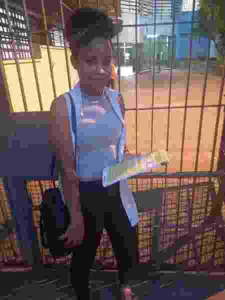 A estudante Lorraine Santos após fazer a prova na escola estadual Irmã Charlita, no Grajaú, periferia de São Paulo - Cleber Souza/ UOL
