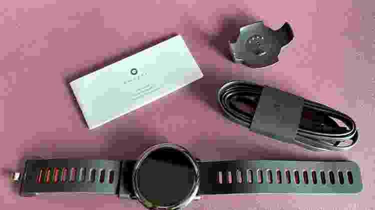 Tudo o que vem dentro da caixa da Amazfit Pace - Marcella Duarte