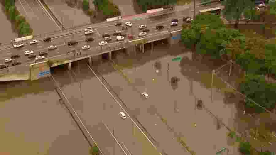 Chuvas causaram alagamentos em toda a cidade de São Paulo  - Reprodução/TV Globo