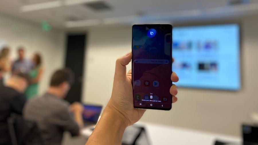 Bixby, assistente por voz da Samsung, agora finalmente fala e entende português - Gabriel Francisco Ribeiro/Tilt