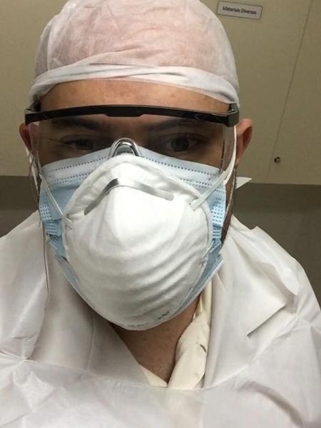 O técnico de enfermagem Ricardo de Oliveira, que trabalha em dois hospitais em SP e já se curou da covid-19 - Arquivo pessoal