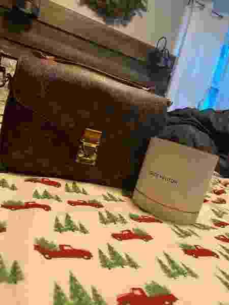 Breanna ganhou uma bolsa da Louis Vuitton e um perfume da marca como presente de natal do seu atual 'daddy' - Reprodução/PA REAL LIFE via Daily Star - Reprodução/PA REAL LIFE via Daily Star