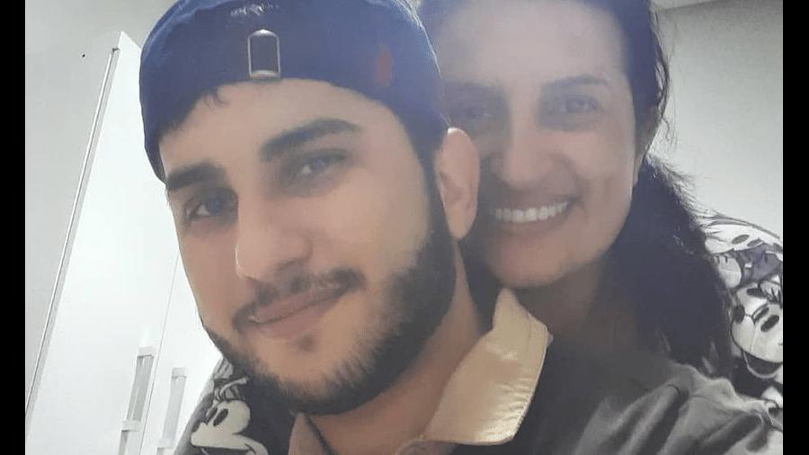 Mari Laurete e o filho, Rogério Laurete Buosi, encontrado morto no Paraguia - Reprodução/Facebook