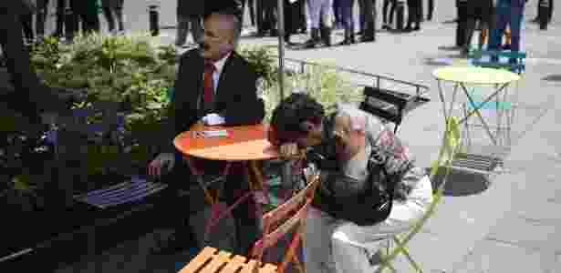 Pessoas nas ruas da cidade do México após terremoto - Ronaldo Schemidt/AFP - Ronaldo Schemidt/AFP