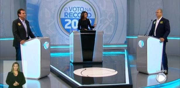Candidatos Eduardo Paes (à esq.) e Wilson Witzel (à dir) em debate na TV Record