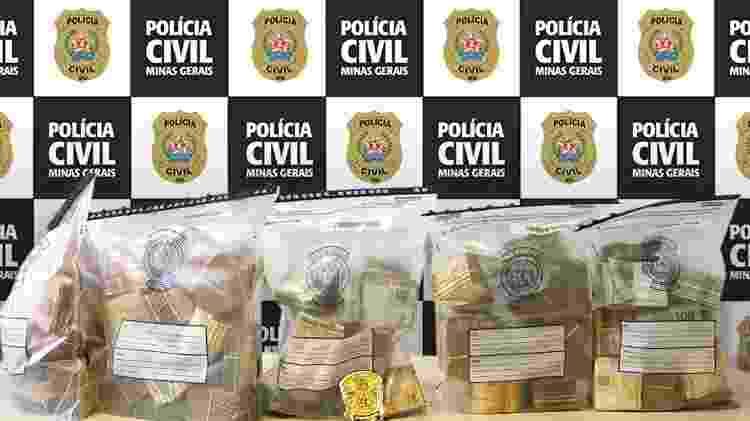 Dono da casa disse que o dinheiro era fruto da venda de um caminhão - Divulgação/Polícia Civil de Minas Gerais