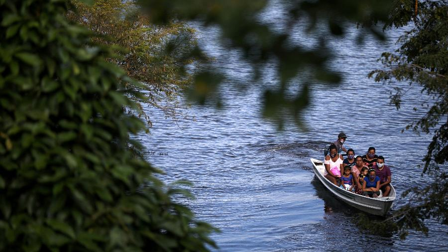 Cheia do rio Negro pode impactar moradores de áreas urbanas e ribeirinhas - BRUNO KELLY/REUTERS