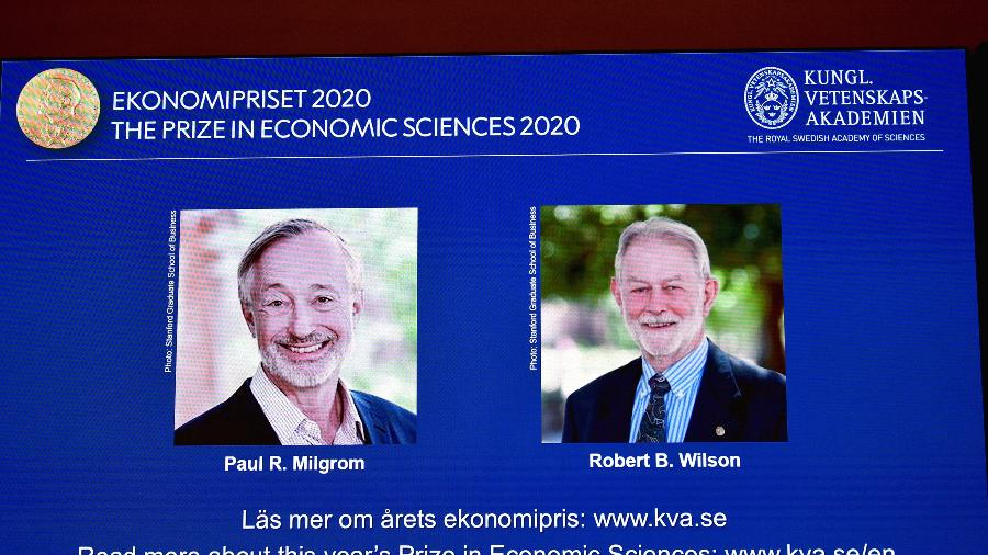 Fotos de  Paul R. Milgrom e Robert B. Wilson, vencedores do Prêmio Nobel de Economia de 2020 - TT News Agency/Anders Wiklund via Reuters