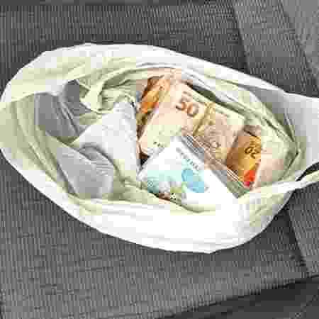Dinheiro encontrado na cueca de vereador em Sergipe - Divulgação/PM-SE