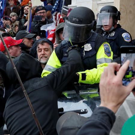 Motim foi realizado por militantes trumpistas que haviam participado de um comício em que o ex-presidente encorajou seus eleitores a contestarem a validação da vitória de Joe Biden - SHANNON STAPLETON/REUTERS