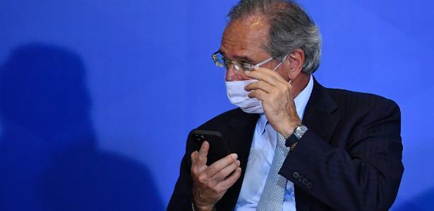 Economia | Guedes defende mais programas sociais e diz que antecipará 13º dos aposentados